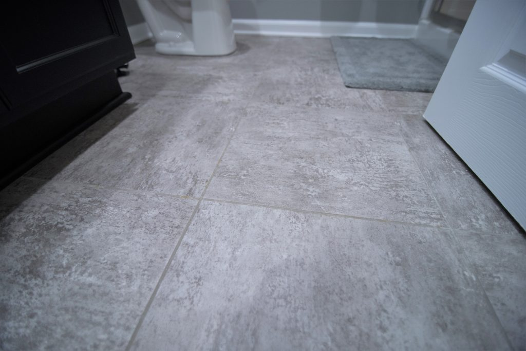 Grey vinyl tile that looks like stone
